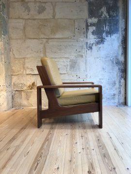 MidCentury Chair 3
